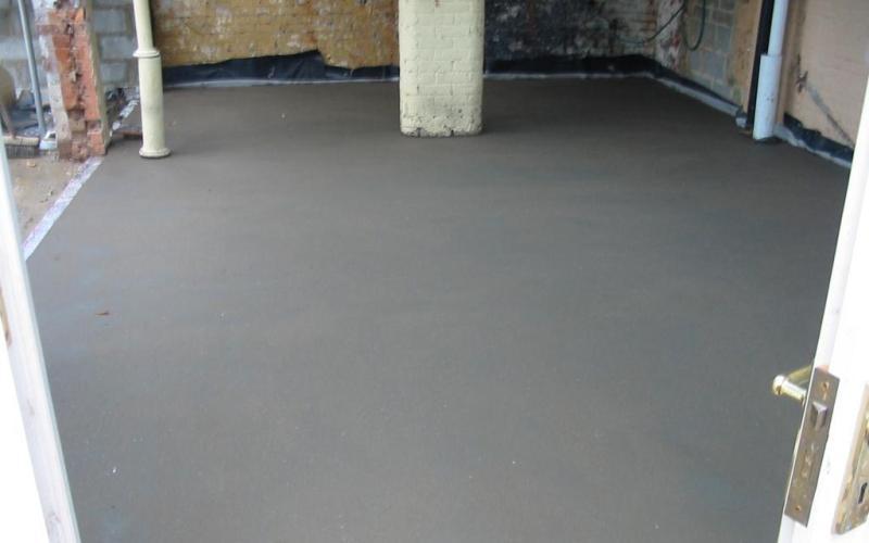 Цементно-акриловые полы, применяются в промышленных зданиях и паркингах