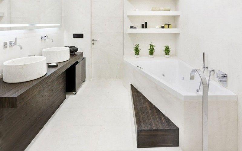 "Белая ванная комната, ""разбавлена"" темной столешницей"