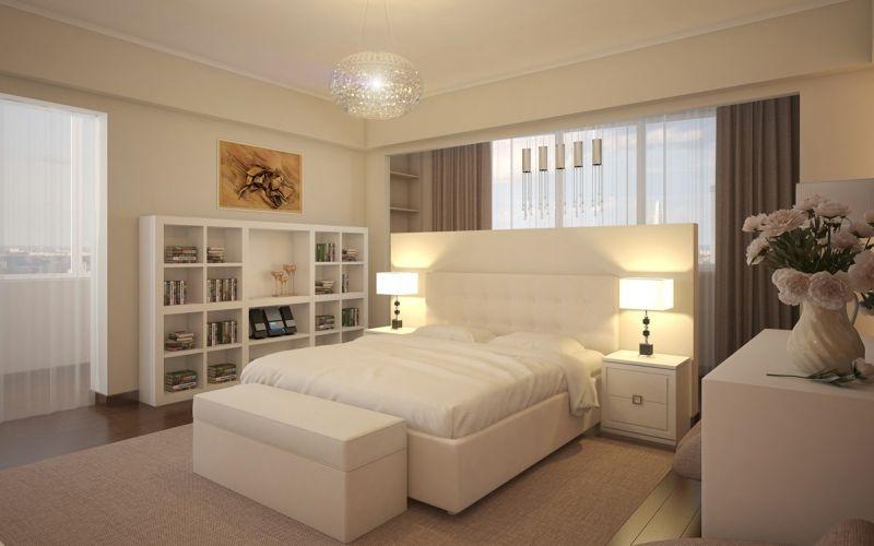 Спальня с белой мебелью и стенами цвета слоновой кости