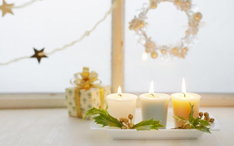 Чем украсить подоконник - Свечи