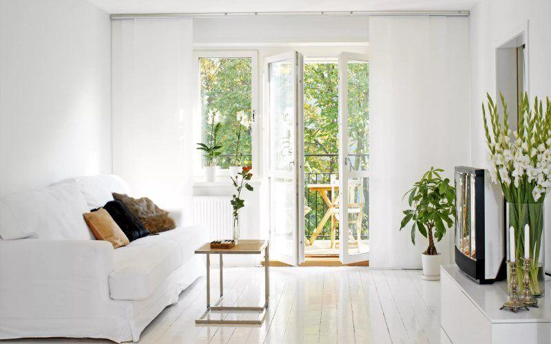 Что дает белый цвет в гостиной
