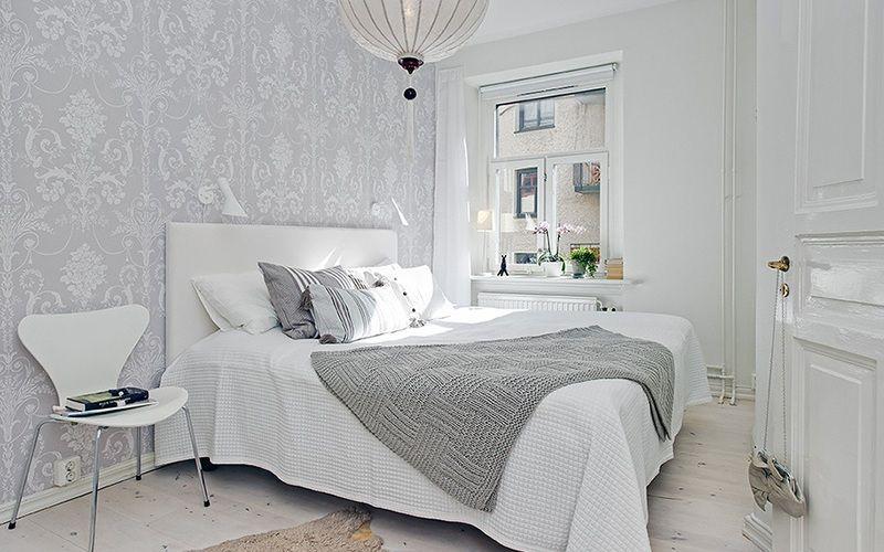 Белая спальня с серым акцентом