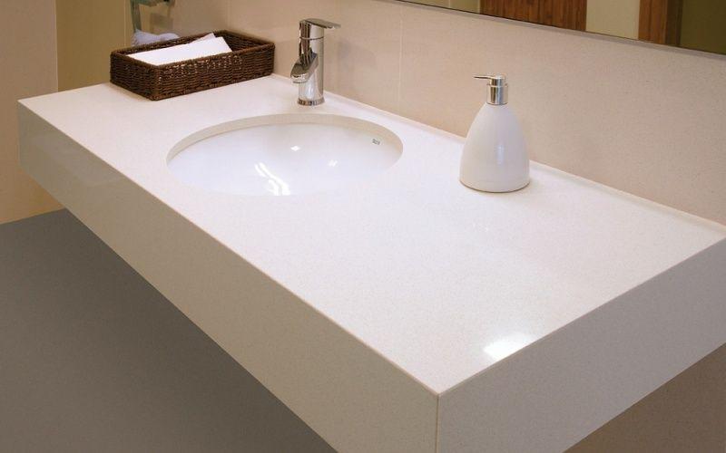 Раковина для ванной комнаты из искусственного камня, совмещена со столешницей