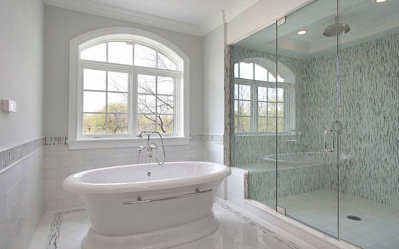 Белая ванная, фото интерьера
