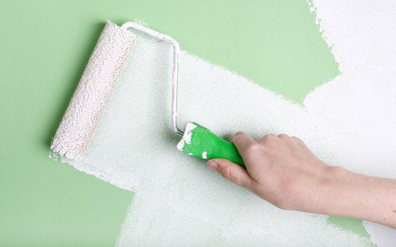 Этапы нанесения краски на стены