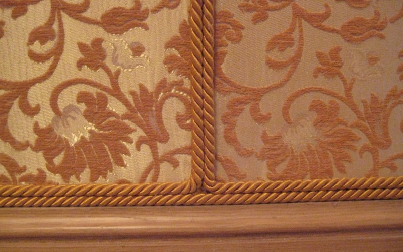 Ткань для стен - как оклеить стены тканью