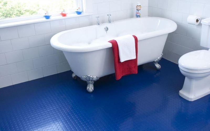Резиновое покрытие в ванной