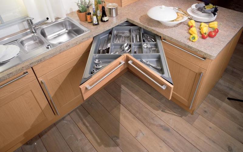 Как правильно использовать пространство на маленькой кухне