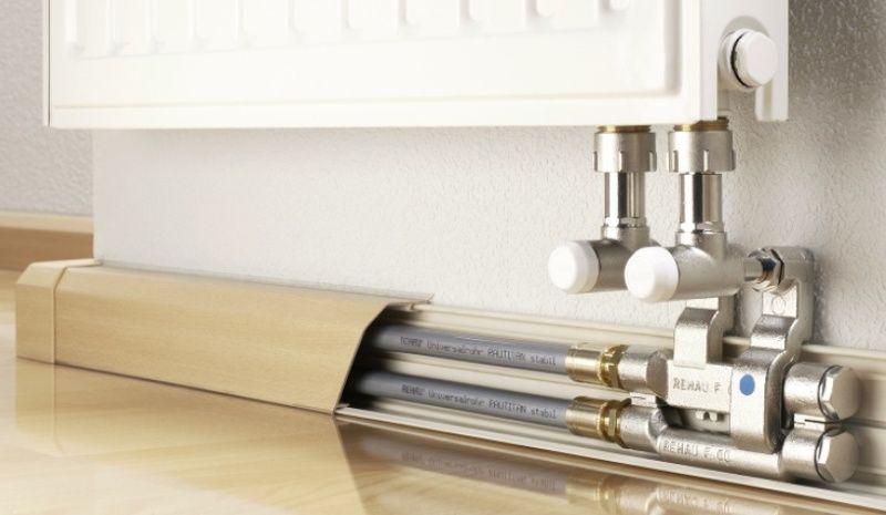 Как скрыть провода и трубы в квартире