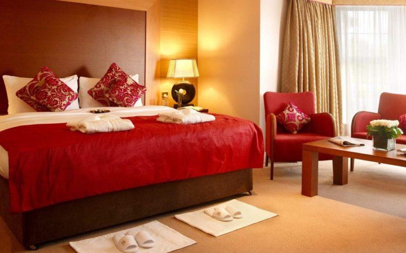 Выбираем цвет для спальни — Красная спальня