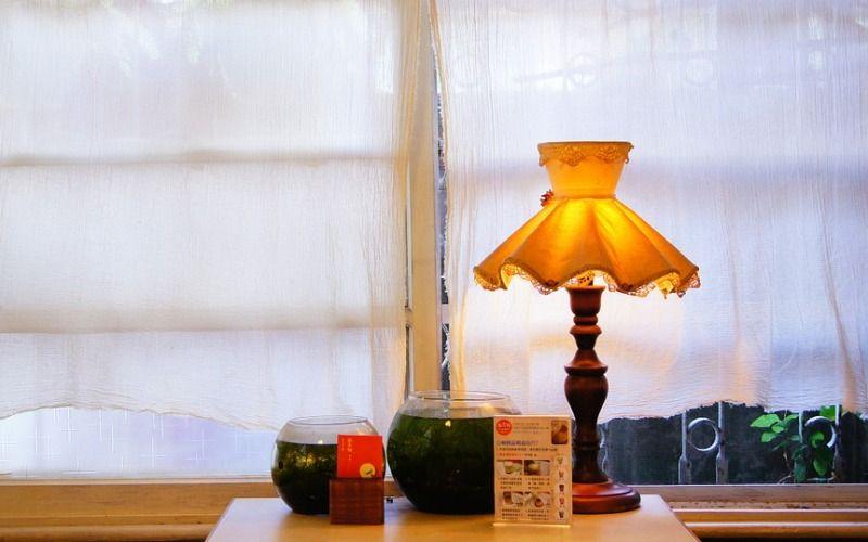 Чем украсить подоконник - Светильники и фонари