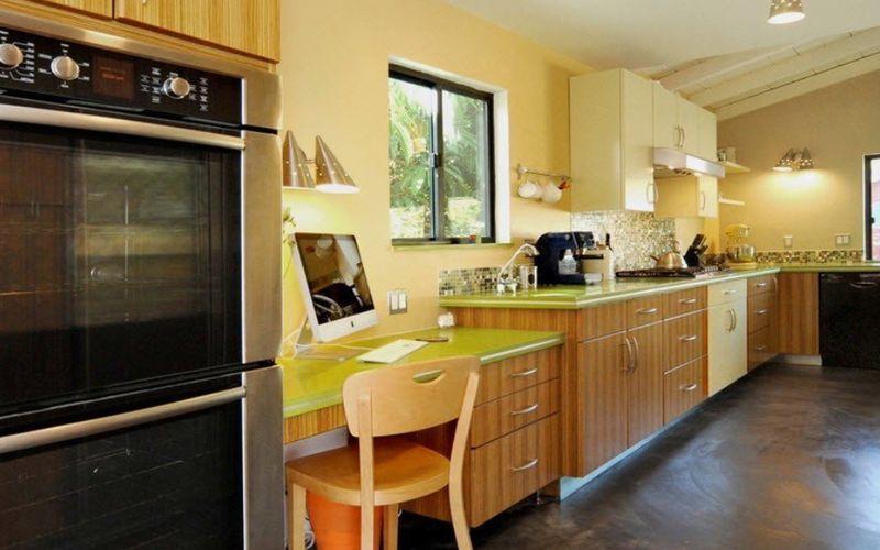 Где на кухне разместить компьютер - выбираем место для работы