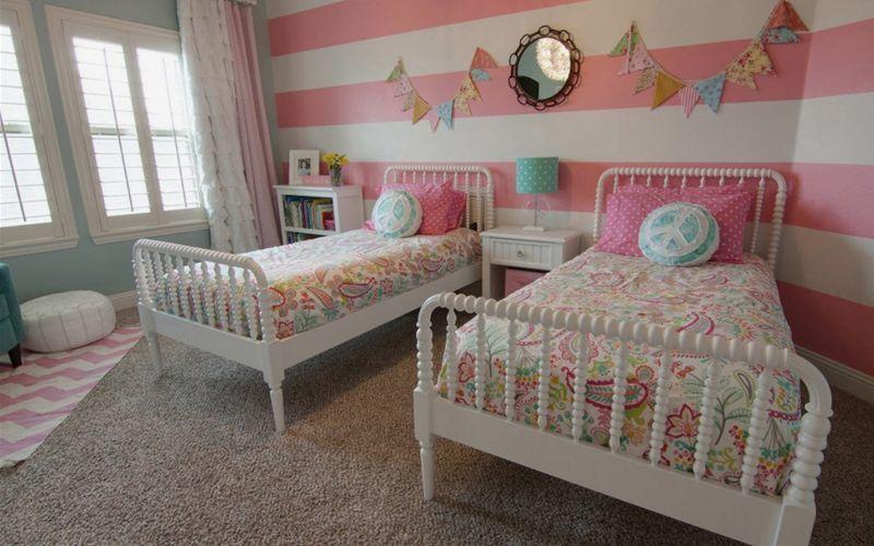 Варианты размещения двух отдельных кроватей