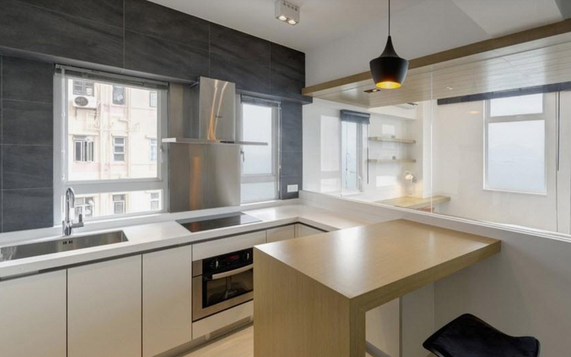 Раковина у окна на кухне - плюсы и минусы размещения (+50 фото идей)