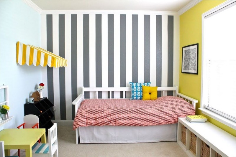 Обои для детской в полоску: как подобрать оттенок, размер и дизайн (+50 фото)