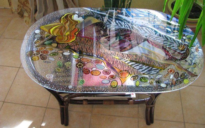 Роспись на стекле - украшение столика