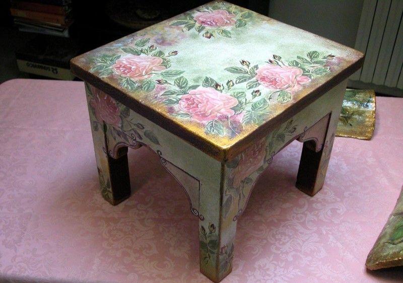 Красивый журанльный столик декупаж