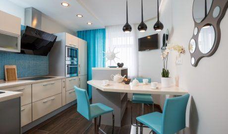 Как украсить стену над столом на кухне - 80 идей с фото